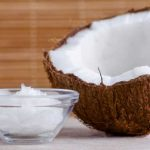 Advantages and Disadvantages of Coconut Oil for Hair